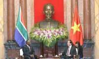 Tran Dai Quang reçoit le vice-président sud-africain