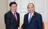 Nguyen Xuan Phuc rencontre ses homologues laotien et cambodgien