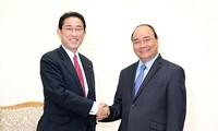 Un responsable du Parti libéral démocrate japonais en visite au Vietnam
