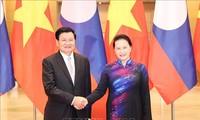 Entrevue entre Nguyên Thi Kim Ngân et Thongloun Sisoulith