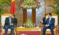 Perdana Menteri Nguyen Tan Dung menerima Menteri Pertanian India.