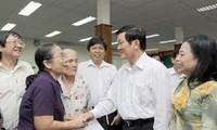 Presiden Truong Tan Sang melakukan kontak dengan pemilih di kabupaten nomor 4 kota Ho Chi Minh.