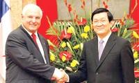 Presiden Republik Panama mengakhiri dengan baik kunjungan di Vietnam.