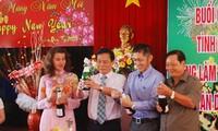 Daerah-daerah mengadakan pertemuan dengan para diaspora Vietnam sehubungan dengan Hari Raya Tet