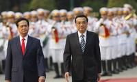 Tidak henti-hentinya memupuk persahabatan Vietnam-Tiongkok.