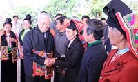 Sekjen Nguyen Phu Trong melakukan kunjungan kerja di provinsi Son La