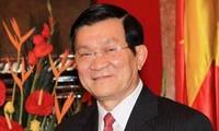 Presiden Truong Tan Sang mengucapkan selamat tahun baru kepada kaum buruh di kota Ho Chi Minh.