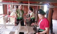 Che Can-dukuh budaya dan wisata, satu cara pembangunan pedesaan baru di provinsi Dien Bien