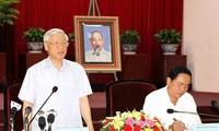 Sekjen Nguyen Phu Trong melakukan temu kerja di provinsi Can Tho