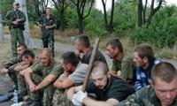 Pemerintah dan faksi oposisi Ukraina terus tukar-menukar tahanan