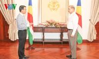 Duta Besar Vietnam untuk Republik Seychelles menyampaikan surat mandat