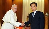 PM Pemerintah Nguyen Tan Dung menemui Paus Franciskus di  Takhta Suci Vatikan