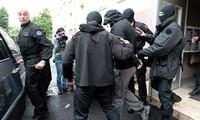 Kalangan pejabat AS: celah-celah keamanan di Eropa membuka jalan bagi gelombang ekstrimisme