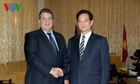 PM Nguyen Tan Dung menerima Deputi PM Republik Federasi Jerman