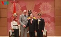 Vietnam selalu aktif bersama dengan Parlemen negara-negara membangun dunia yang damai, independen, bebas dan berkembang