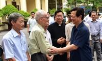 PM Nguyen Tan Dung mengumumkan hasil Persidangan ke-9 MN angkatan ke-13 kepada para pemilih