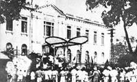 Revolusi Agustus-Kemenangan dari persatuan besar seluruh bangsa