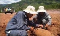 Aktivitas sukarela untuk membantu para korban bom dan ranjau di provinsi Quang Tri