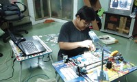 Nguyen Duong Kim Hao melakukan penelitian dan penciptaan untuk menjadi pemrogram komputer internasional