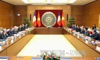 Ketua MN Vietnam, Nguyen Sinh Hung melakukan pembicaraan dengan Ketua Parlemen Republik Perancis