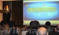 Provinsi Tra vinh memperkenalkan kesempatan investasi di zona-zona industri titik berat kepada badan usaha Singapura