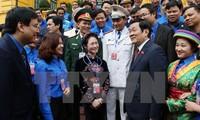Presidan Truong Tan Sang melakukan pertemuan dengan para  kader Liga Pemuda dan anggota Liga Pemuda tipikal