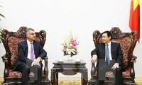 Bank Standard Chartered akan terus membantu Vietnam dalam masalah-masalah ekonomi