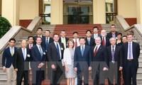 Menteri Keamanan Publik Vietnam, To Lam menerima rombongan badan usaha tingkat tinggi dari Dewan Bisnis AS-ASEAN