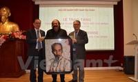 Perasaan para seniman Perancis terhadap Presiden Ho Chi Minh