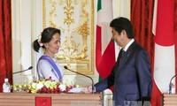 Jepang berkomitmen memberikan bantuan sebesar 7,7 miliar dolar AS untuk kepada  Myanmar