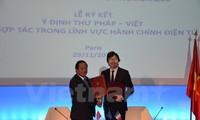 Vietnam dan Perancis memperkuat kerjasama tentang informasi dan komunikasi
