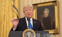 Presiden AS mencela pengadilan setelah sesi dengar pendapat tentang larangan imigrasi