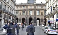Perancis menangkap 3 tersangka yang membuat rencana melakukan serangan teror