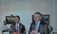 Pertemuan Kelompok Legislator Persahabatan Eropa pecinta Vietnam di Belgia
