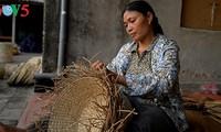 Mengembangkan peranan kaum wanita dalam pembangunan pedesaan baru