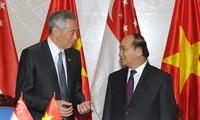 Memperkuat hubungan kemitraan strategis Vietnam-Singapura di semua bidang