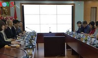 Memperkuat kerjasama antara VOV dengan Grup Komunikasi KansaiTV dari Jepang