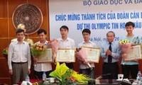 Pelajar Vietnam memperoleh 5 medali perak dalam Olympiade Informatika Asia 2017