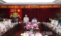 Sekjen Nguyen Phu Trong melakukan kunjungan kerja di provinsi Bac Kan
