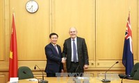 Deputi PM Vuong Dinh Hue melakukan kunjungan kerja di Selandia Baru