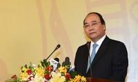 PM Nguyen Xuan Phuc melakukan temu kerja dengan Perusahaan Samsung Thai Nguyen
