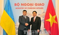 Pembicaraan antara Deputi PM, Menlu Vietnam, Pham Binh Minh dan Menlu Ukraina, Pavlo Klimkin