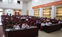 Wakil Ketua MN Phung Quoc Hien melakukan kontak dengan pemilih Provinsi Lai Chau