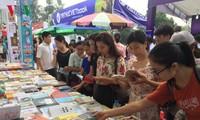 Pembukaan Festival Buku Hanoi ke-4
