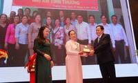 Saudari Nguyen Thi Hue, teladan pandai dalam usaha ekonomi untuk lepas dari kemiskinan secara berkesinambungan