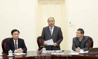 PM Nguyen Xuan Phuc melakukan temu kerja dengan Grup Konsultasi Ekonomi