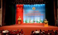 Presiden Tran Dai Quang menghadiri Konferensi  memuji Ketua Serikat Buruh di basis yang terkemuka