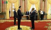 Presiden Tran Dai Quang menerima para Duta Besar yang menyampaikan surat mandat