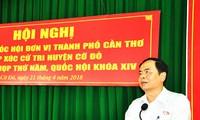 Ketua Pengurus Besar Front Tanah Air Vietnam, Tran Thanh Man melakuan kontak dengan pemilih Kota Can Tho