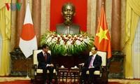 Presiden Tran Dai quang menerima Menlu Jepang, Taro Kono